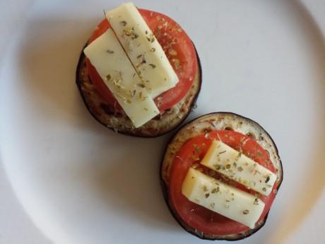 aubergine,tomat,ost
