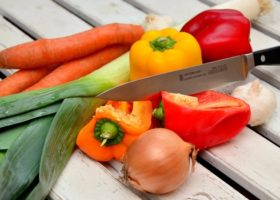 vegetables-knife-paprika-traffic-light-vegetable-40191-medium