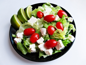 1294192_small_salad_with_lime