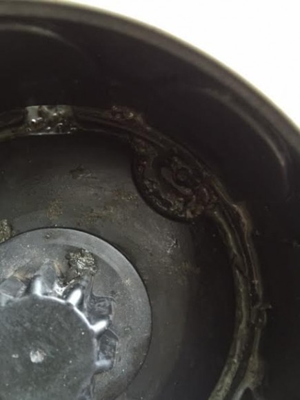 Så skitigt det kan bli trots rengöring ofta...olja, metalbitar.