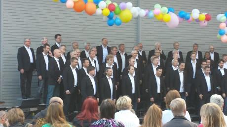 The Entertaimen sjunger på Årsta torg sommarne 2013