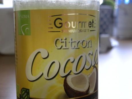 En burk med citron kokosolja