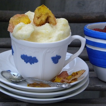 Citronsorbet i en kaffekopp