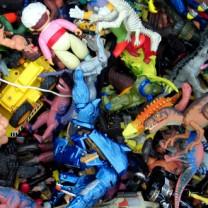 Barnleksaker i plast