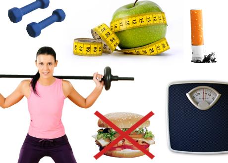 Kvinna tränar, en cigarettfimp, en överkryssad hamburgare, en våg, två hantlar och två äpplen med ett måttband runt sig