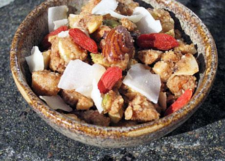 Hemmagjord musli i skål