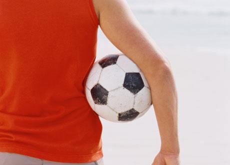 Kille med fotboll