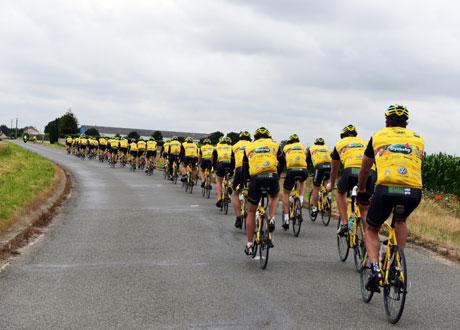 800 cyklar till Paris för barncancerfonden