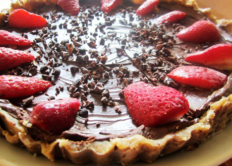 Chokladkaka med jordgubbar