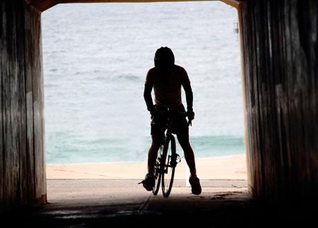 Siluett av en cyklist