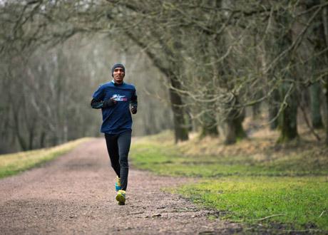 """Mustafa """"Musse"""" Mohamed att delta och springa för en god sak - forskningen kring ryggmärgsskador."""