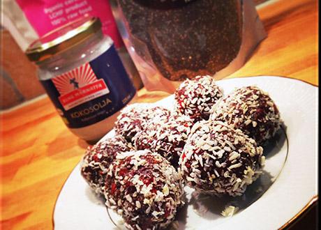 ChokladProteinbollar med Chiafrön