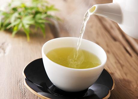 Kopp med grönt te