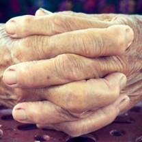 Ett par gamla händer