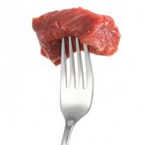 Köttbit på gaffel