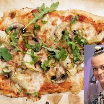 Närbild vacker glutenfria pizza infälld bild vacker Sanna Bråding