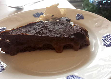karamell- och chokladtryffeltårta