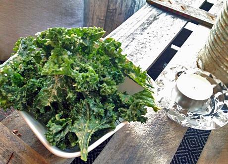 Raw grönkålschips