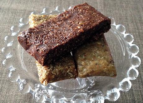 Proteinbars med choklad, jordnötssmör och lakrits