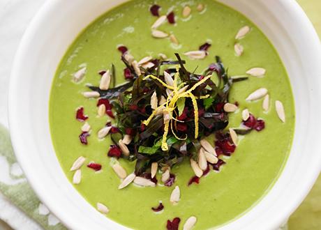 Raw avokadosoppa boostad med superfoods