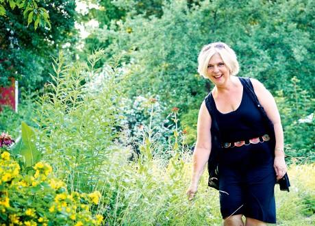 Nina Ollas i vacker utomhusmiljö