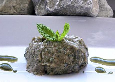 Rawfoodglass av björk- och myntablad