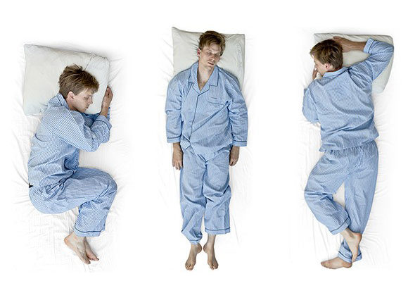 Kollage man sover i olika positioner