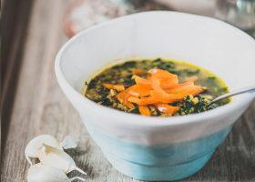 Ayurvedisk linssoppa med spenat