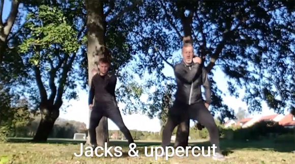 Jumping jacks med uppercut vänsterkrok