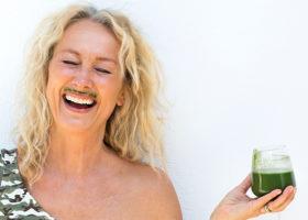 karin björkegren jones med grön drink
