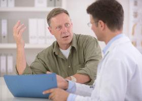Stressad patient och läkare