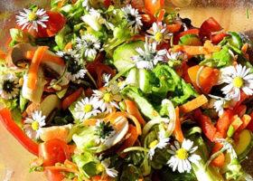 sallad med blommor