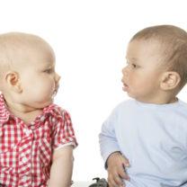 Två små barn