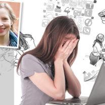 martina ståhl kvinna som gömemr ansiktet i händerna framför en dator