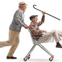 äldre män leker