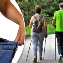 mage och par som går med stavar