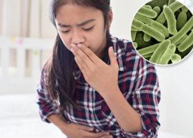 kvinna mår illa bakterier