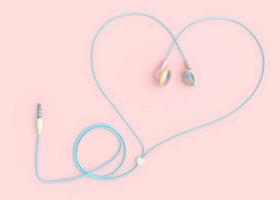 hörlursladd formad som ett hjärta