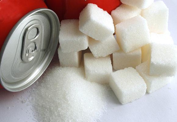 sockerbitar och läskedryck