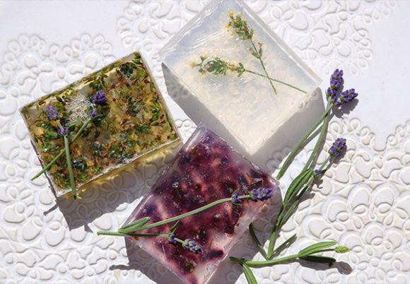 hemmagjord tvål med lavendel