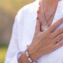 en hand på hjärtat