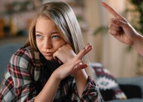 tonåring avvisar förälder